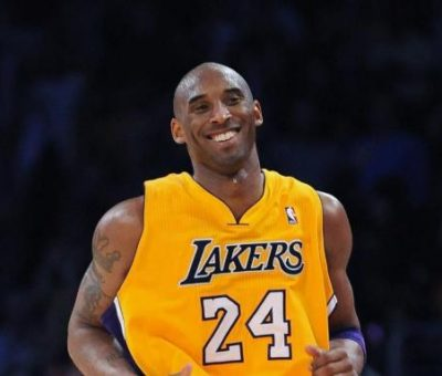 BREAKING: Kobe Bryant, daughter, others killed in helicopter crash