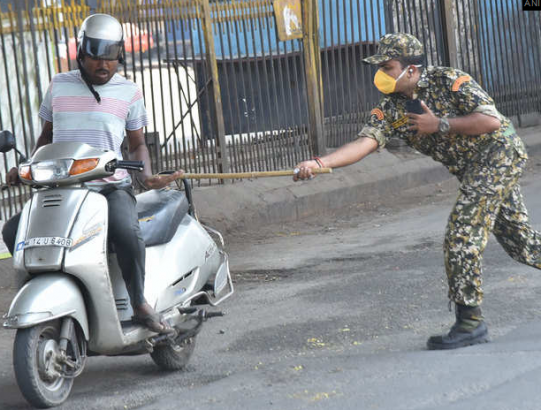#Covid-19: See punishment India police gave people who refused to stay at home (photos)