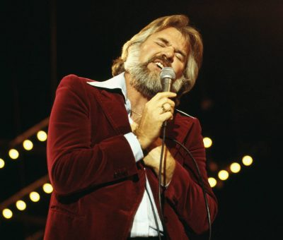 BREAKING: Country music legend, Kenny Rogers, dies at 81