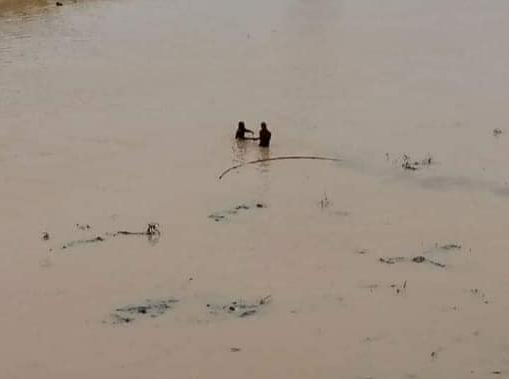 Single Mother of three jumps into Osun river due to financial hardship