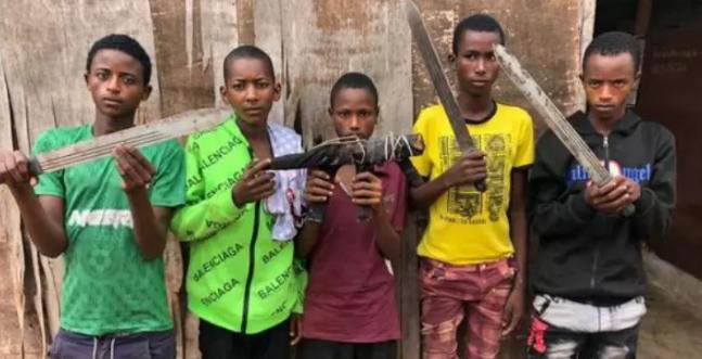 Nigeria Police Parades 5 Armed Teenage Fulani Robbers Terrorizing Lagos-Ibadan Highway