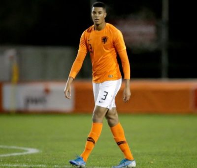 Chelsea sign youngster Xavier Mbuyamba