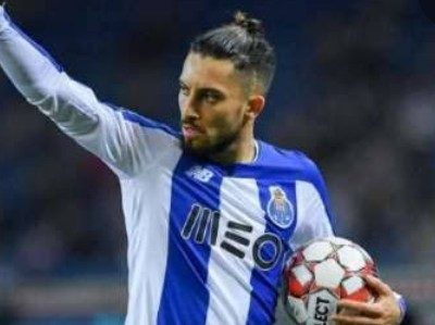 Alex Telles informs Porto, he wants to join Manchester United