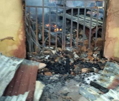 Breaking: fire outbreak razes many shops in Anambra