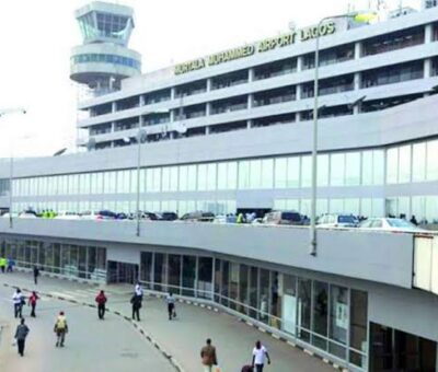 COVID-19: Federal Government  plans to ban flights arriving from UK, US, others next week