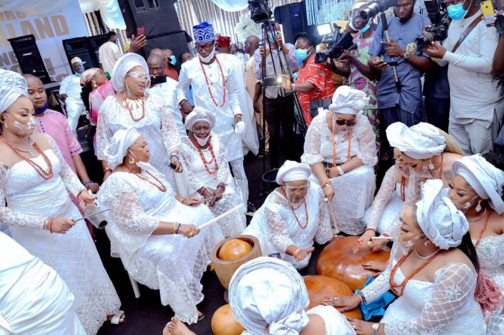 Photos: Alafin of Oyo takes Chioma as his new wife