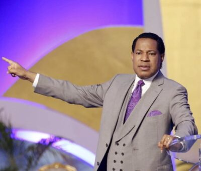 VIDEO: Pastor Chris Oyakhilome slams Pastors advising their members to take the COVID-19 Vaccine