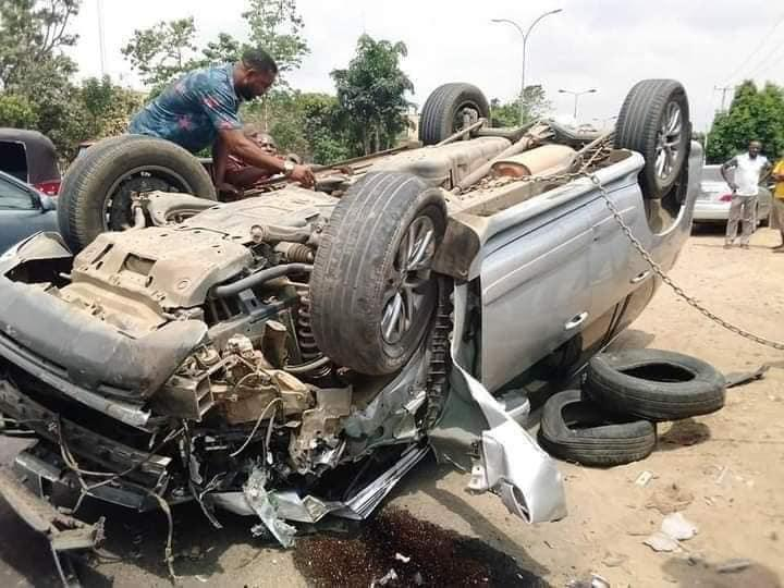 Nigerian Pastor testifies as he survives ghastly motor accident without a scratch in Uyo