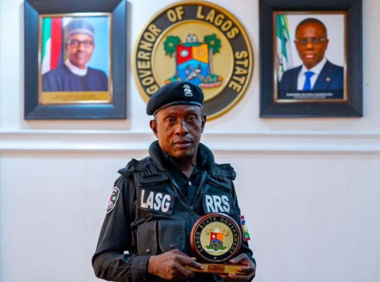 Governor Sanwo-olu celebrates Police officer who displayed maturity when assaulted by motorist