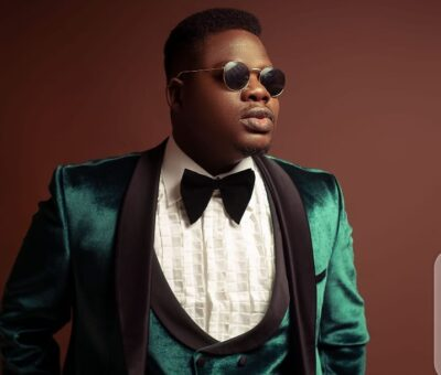 """""""I always ask God to help me so I touch the lives of those around me"""" –  Comedian, Mr Macaroni says as he lavish fans with cash gift on his birthday"""