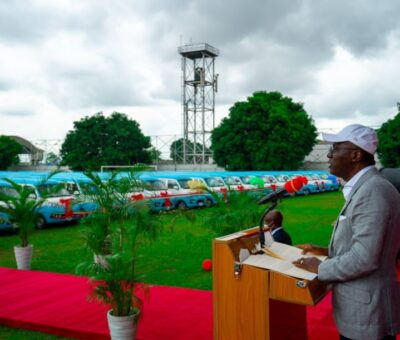 Lagos state govt unveils 500 First and Last Mile buses