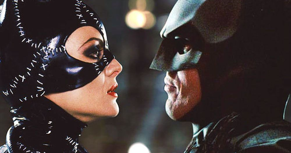 """Internet goes crazy after DC Producers say Batman can't go down on Catwoman because """"Heroes Don't Do That"""""""