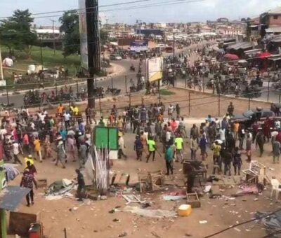 """""""Auxiliary led thugs to loot and kill innocent people at Iwo Road while Police, Amotekun stood by""""- Oyo State Residents allege"""